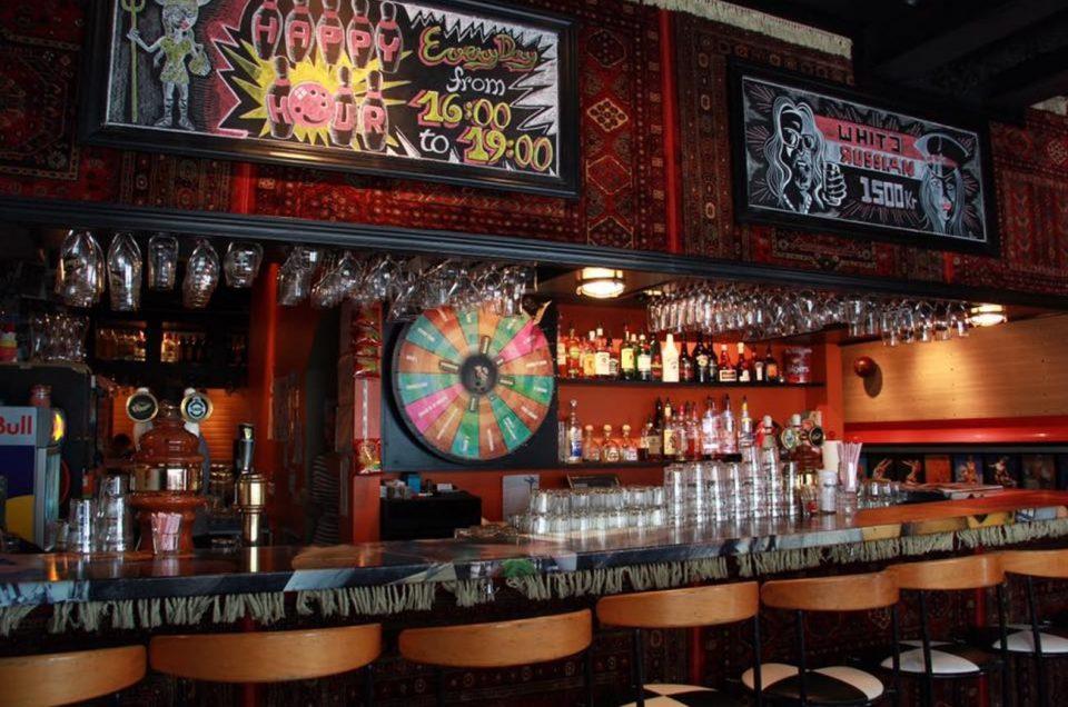bar-games-6-by-yumurtarocks